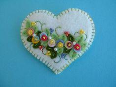 Felt Applique Heart Pin by Beedeebabee on Etsy