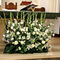 Church Aisle Decorations, Table Decorations, Flower Arrangements, Decoupage, Wedding Planning, Projects To Try, Spring, Plants, Valentines Day Weddings