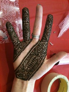 Moroccan henna - so insanely pretty Henna Ink, Henna Body Art, Mehndi Tattoo, Mehndi Art, Henna Mehndi, Mandala Tattoo, Henna Tattoos, Mehandi Designs, Henna Tattoo Designs