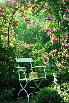 Arche de jardin fleuri