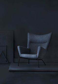 iconic wingback chair in black by the danish designer hans j wegner lounge stole