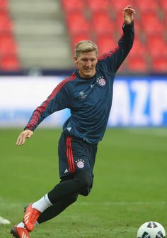 Basti ♥ on We Heart It