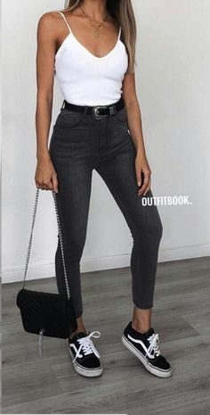 Chic And Casual Back To School Outfit Ideas For This Summer; Back To School Outfit; Teen Back To School Outfit; Summer Back To School Outfits; Cute Casual Outfits, Basic Outfits, Mode Outfits, Simple Outfits, Fashion Outfits, Jeans Fashion, Ladies Outfits, Ladies Fashion, Fashion Ideas