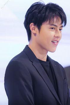 Asian Boys, Asian Men, Mark Prin, Thai Drama, Handsome Actors, Ambulance, I Fall In Love, Dancers, Bangs