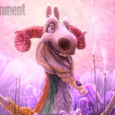 Movies: Ice Age: Collision Course: Meet Jesse Tyler Fergusons know-it-all llama