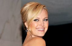 Hair Highlights: Bang-Up Celeb 'Dos Twist Twirl: A long, loosely curled tendril softens Malin Akerman's updo at a White House Correspondents' Dinner after-party. Formal Hairstyles, Cute Hairstyles, Wedding Hairstyles, Awesome Hair, Great Hair, Winter Wedding Hair, Wedding Stuff, Wedding Ideas, Gorgeous Eyes