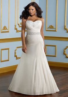 Plus size wedding - lovely silhouette and blingage.