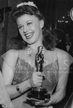 Ginger Rogers at the 1940 (13th) Academy Awards ceremony :: Academy Awards Collection