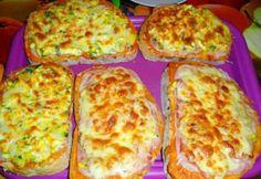 Tojásos-sonkás melegszendvics My Recipes, Dinner Recipes, Cooking Recipes, Dinner Ideas, 30 Min Dinner, Food Hacks, Baked Potato, Baked Goods, Zucchini
