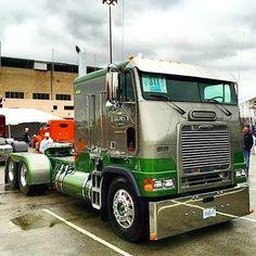 Semi Trucks, Big Rig Trucks, Cool Trucks, Freightliner Trucks, 6x6 Truck, Truck Camper, Custom Big Rigs, Custom Trucks, Diesel Trucks