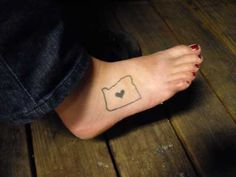 oregon tattoo on foot