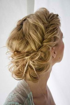 Messy and Beautiful Wedding Hairstyles!