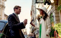 игра. кольцо. ее шляпа. его галстук. A game. A ring. Her hat. His tie.