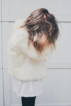 fluffy // LILI CLASPE