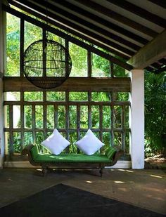 Simple yet inviting. Great outdoor design by Geoffrey Bawa, architect