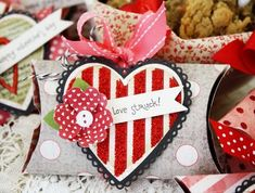 pillow box with heart and flower - valentine - cupid strikes again Marianne design die