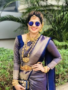 To make it easier for you, we have the top trending beautiful silk saree blouse designs so that you can choose the best for your saree look. South Indian Wedding Saree, Indian Bridal Photos, Indian Bridal Sarees, Bridal Silk Saree, Indian Bridal Fashion, Wedding Sarees, Marathi Wedding, South Indian Sarees, Dress Wedding