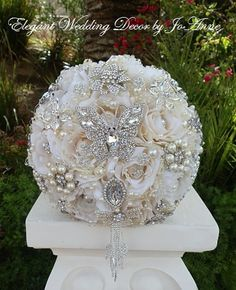 BUTTERFLY Brides Brooch Bouquet DEPOSIT for por Elegantweddingdecor, $150.00