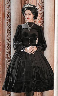 Gothic Dress, Lolita Dress, Gothic Lolita, Old Fashion Dresses, Fashion Outfits, Women's Fashion, Lolita Fashion, Gothic Fashion, Real Costumes