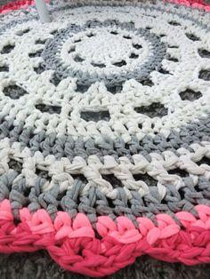 Teppiche - Crochet Häkel Teppich aus Textilgarn - ein Designerstück von Mommy_at_Home bei DaWanda
