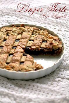 Linzer Torte- tarta orzechowa z malinowym nadzieniem Quiches, Fruit In Season, Linzer Torte, Sweet Recipes, Waffles, Sweet Treats, Food And Drink, Pie, Baking