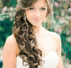 Wedding Hairstyles With Curls to the Side
