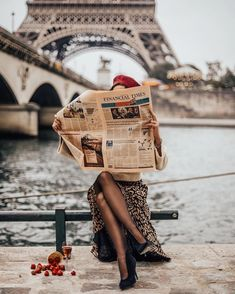 Pin by martina lekaj on parisian chic in 2019 paris travel, France Photography, Photography Poses, Travel Photography, Clothing Photography, Vintage Photography, Parisienne Chic, Photo Pour Instagram, Coco Mademoiselle, Paris Travel