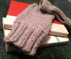 last minute homemade gift: knit fingerless gloves (pattern)