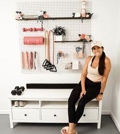 Home Gym Garage, Diy Home Gym, Gym Room At Home, Home Gym Decor, Basement Gym, Workout Room Home, At Home Workouts, Workout Room Decor, Yoga Room Decor