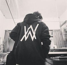 Badass Outfit, Alan Walker, Dj Music, Cute Guys, Adidas Jacket, Celebs, Potato, Crushes, Harry Potter