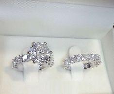 Wedding Rings Solitaire, Princess Cut Engagement Rings, Beautiful Engagement Rings, Wedding Rings Vintage, Engagement Ring Settings, Bridal Rings, Beautiful Rings, Wedding Jewelry, Princess Wedding