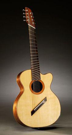 Guitare acoustique 8 cordes avec attisé frettes
