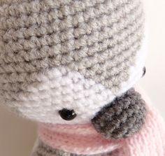 Ma petite galerie: Il fait un froid de pingouin, saperlipopette !!! Crochet Amigurumi, Crochet Patterns, Beanie, Valentines, Hats, Image, Crocheting, Crochet Penguin, Crochet Toys