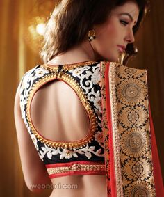 Choose Pot Neck Blouse Designs for your Saree Blouse Neck Pattern. Make your saree look more enhanced and glamorous with these different blouse designs. Blouse Back Neck Designs, Best Blouse Designs, Silk Saree Blouse Designs, Bridal Blouse Designs, Dress Designs, Floral Blouse, Sari Design, Design Floral, Choli Designs
