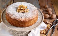 Un dolce da colazione semplice e goloso, perfetto per cominciare al meglio la giornata. Ideale se farcito con crema al mascarpone o ricoperto con glassa al cioccolato fondente! Prova la ricetta!