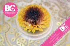 artistic jello/ jelly flower by www.facebook.com/bekacupcakes