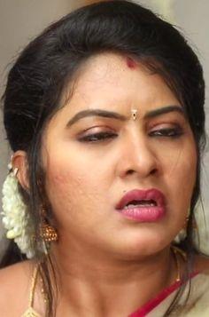Beautiful Blonde Girl, Beautiful Girl Indian, Most Beautiful Indian Actress, Beautiful Women, Indian Natural Beauty, Indian Beauty Saree, Beauty Full Girl, Beauty Women, Priyanka Chopra Makeup