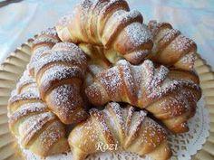 Rozi Erdélyi konyhája: Kelt kifli, diótöltelékkel Hungarian Desserts, Hungarian Recipes, Bread Recipes, Cookie Recipes, Poppy Cake, Winter Food, Cakes And More, Bread Baking, Nutella