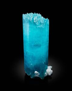 Multiple terminations of an Aquamarine crystal from Dassu, Braldu Valley, Gilgit, Pakistan Minerals And Gemstones, Crystals Minerals, Rocks And Minerals, Kind Of Blue, Aquamarine Crystal, Rare Gems, Mineral Stone, Rocks And Gems, Crystal Healing