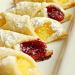 Kolachy Cookies are a traditional Eastern European cookie made with a light and fluffy cream cheese dough and then stuffed with fruit or preserves! Tea Cakes, Yummy Cookies, Holiday Cookies, Fruit Cookies, Cake Cookies, Sugar Cookies, Christmas Desserts, Christmas Baking, Polish Christmas