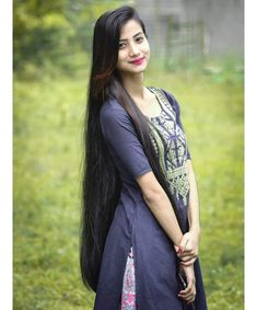 The next Rapunzel for the day is Our site is dedicated to the celebration of beautiful Long Black Hair, Very Long Hair, Braids For Long Hair, Dark Hair, Red Hair, Brown Hair, Loose Hairstyles, Indian Hairstyles, Girl Hairstyles