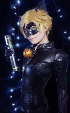 Miraculous Lady Bug Chat Noir Adrien cosplay Lady Bug, Best Cosplay, Awesome Cosplay, Stupid Guys, Ladybug Art, Cosplay Characters, Disney, Halloween Cosplay, Cool Costumes