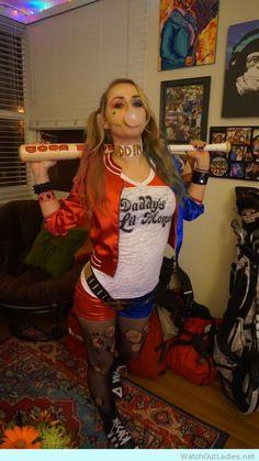 Really cool Harley Quinn halloween costume diy - http://watchoutladies.net/harley-quinn-halloween-costume-diy/