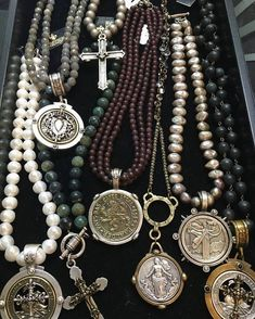 Freshwater pearls Labradorite Moss Agate Garnet Pyrite & Swarovski Pearls Black Jasper Love the coins! Coin Jewelry, Jewelry Gifts, Beaded Jewelry, Jewelry Accessories, Handmade Jewelry, Jewelry Design, Druzy Jewelry, Silver Jewellery, Jewelry Ideas
