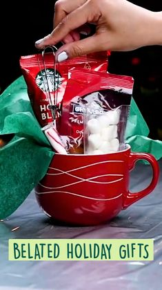 Diy Crafts Hacks, Diy Crafts For Gifts, Diy Arts And Crafts, Holiday Crafts, Perfect Christmas Gifts, Xmas Gifts, Cute Gifts, Christmas Crafts, Christmas Gift Inspiration