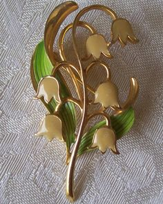Vintage Lilly Of The Valley Floral  Enamel by Trinketsntiques, $19.00