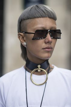 Cast Eyewear Photo by Julien Boudet Funky Glasses, Cool Glasses, Fashion Tips For Women, Vogue, Eyewear, Cool Hairstyles, Fashion Accessories, Sunglasses, Sunnies