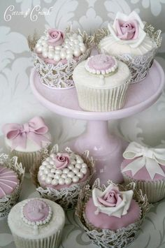 These cupcakes are so elegant, almost too much so that you wouldn't want to eat them....