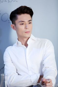 Find images and videos about wallace huo on We Heart It - the app to get lost in what you love. Wallace Hou, Romantic Moments, Actor Photo, China, Actor Model, Asian Actors, Korean Drama, Chef Jackets, Handsome