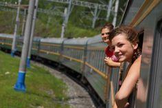 Transsibirische Eisenbahn: Glückliche Gesichter in der Mongolei.